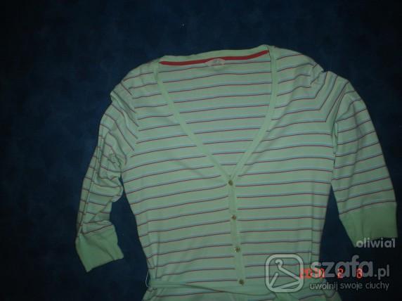 Swetry Sweterek w szpic w linie