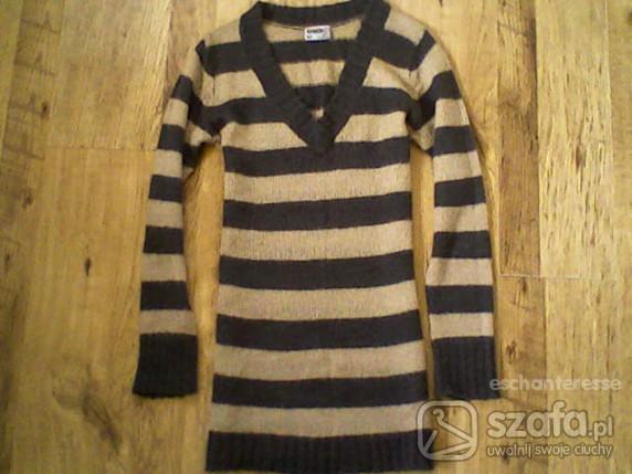 Swetry Czekoladowy swetr long w paski UND