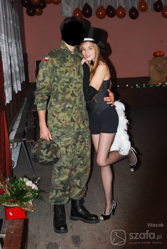 Na specjalne okazje Halloweenowe przebranie Moulin Rouge girl