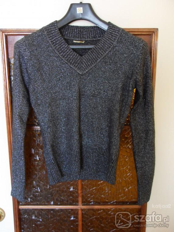 Swetry Czarny sweterek ze srebrną nitką