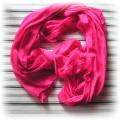 różowa apaszka