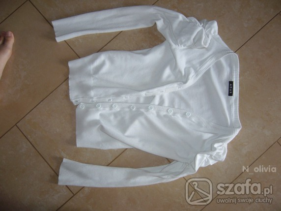 Swetry Bufki śliczny biały rozpianny swetek