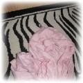 różowy szal
