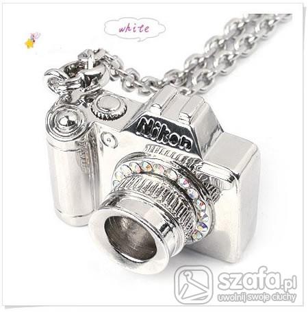 Wisiorek aparat srebrny