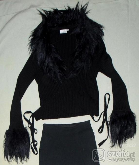 Swetry czarny sweterek z futerkiem rozm M