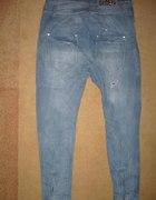 jeansy z szerokim krokiem