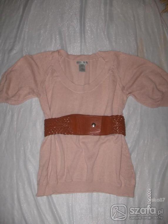 Swetry pastelowy róż