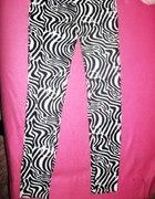 Superowe Legginsy DJUK Zebra milutki materiał