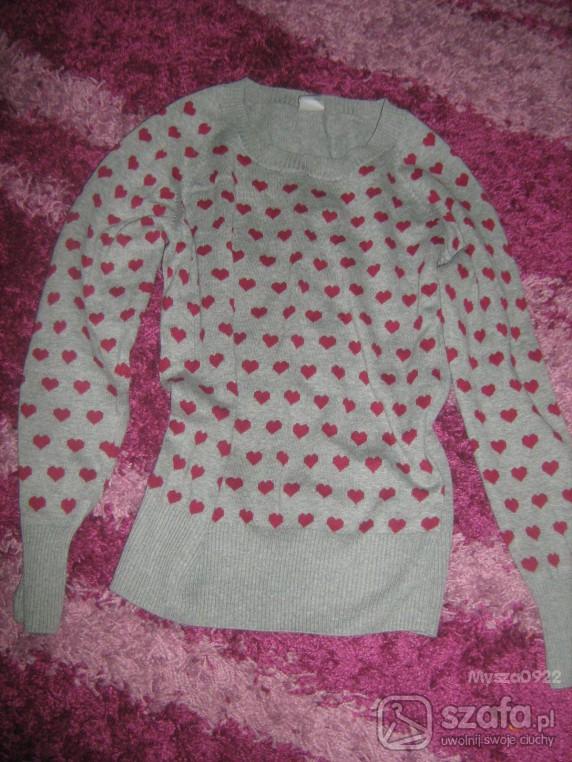 Swetry sweterek w serduszka