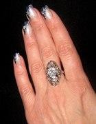 Duży piękny pierścionek