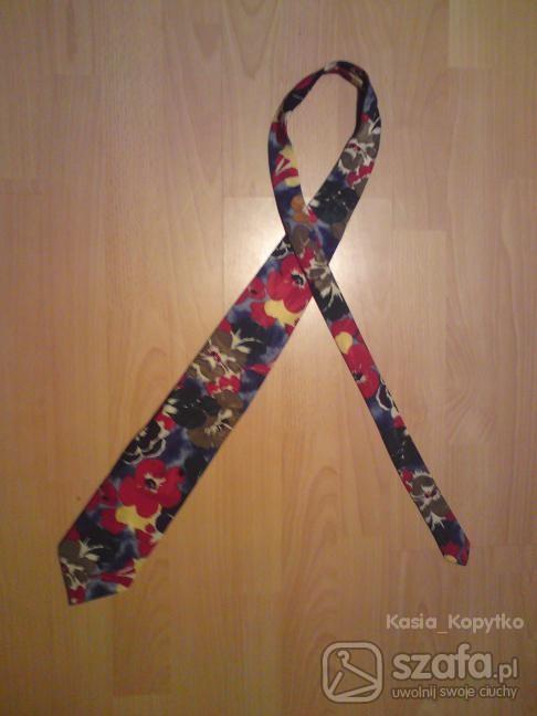 Chusty i apaszki Kwiecisty krawat