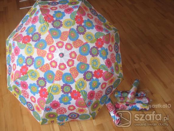 Śliczne kwiatowe parasolki firmy AvonCynthiaRowley