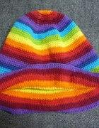 Tęczowy kapelusz