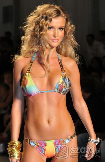 Sexi Joasia Krupa dla Ed Hardy sexy bikini
