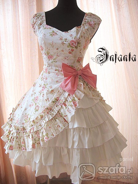 Infanta Mary Style Floral OP