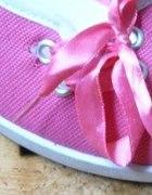 Różowe baletki ala trampki na koturnie 41