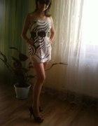 sukienka czarnobiała w paski zebra MINI