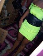 śliczna sukieneczka fajny kolorek