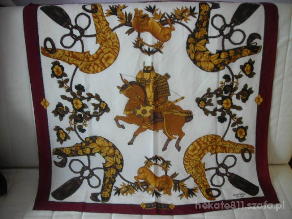 Chusty i apaszki HERMES z jedwabiu elegancka apaszka