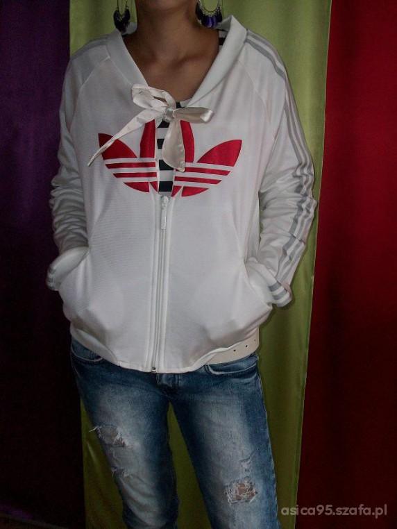 Bluza adidas biało czerwona S w Bluzy Szafa.pl
