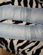 jeansy jasne...
