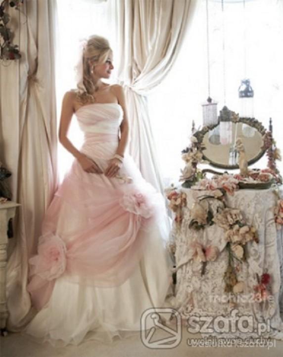 Na specjalne okazje Ślubna suknia