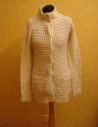 Piękny ciepły sweter Zara