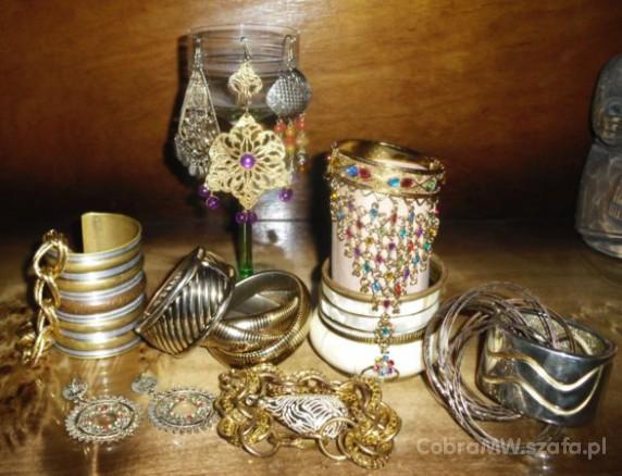 Rajasthani golden jewelerry...