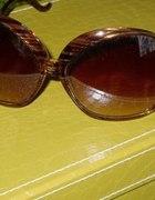 Ogromne rude okulary