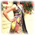 satynowa suknia i gladiatorki