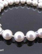 Poszukuje bialych perelek w postaci naszyjnika...