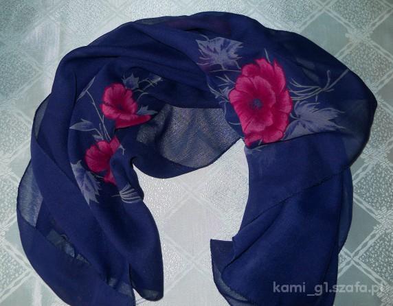 Chusty i apaszki granatowa chusta róż kwiatki