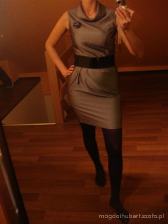 Do pracy Szara sukieneczka