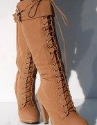 wiązane kozaki na platformie worker boots camel