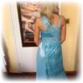 Niebieska suknia na wesele