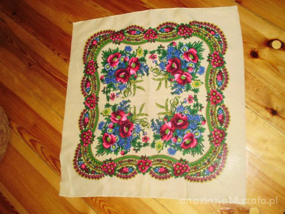 Chusty i apaszki chustka w kwiaty