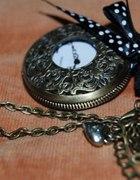 Zegarek na łańcuszku...