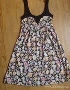 Sukienka w kwiatki 36