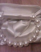 Piękności kremowe z perłami