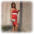 czerwona sukienka ze srebrną wstawką