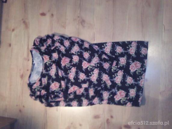 Sweterek w róże...