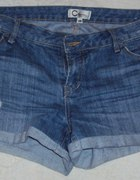 Świetne spodenki jeansowe rozm 40