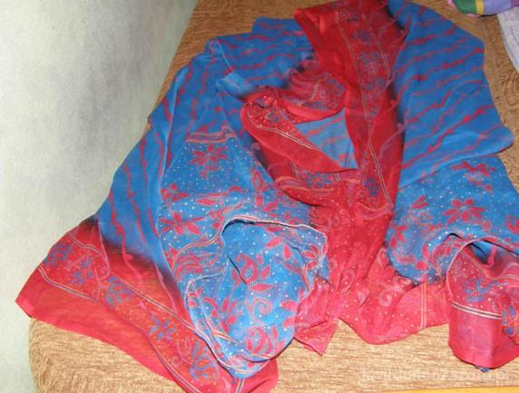 Chusty i apaszki czerwono niebieski gigant