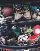 mała kolekcja biżuterii...