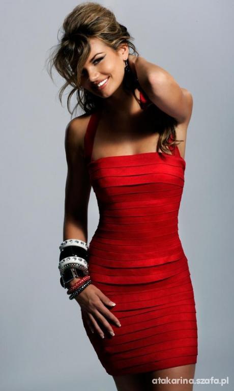 Na specjalne okazje czerwona sukienka wieczorowa
