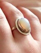 Księżycowy Kamień pierścionek vintage