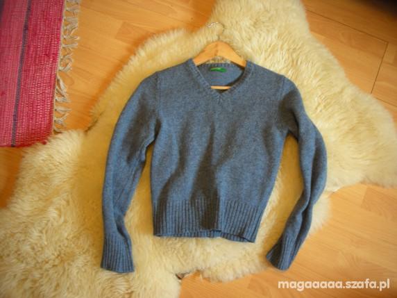 wełniany sweter z benettona...