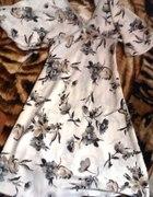 kwiatowa suknia motyl...