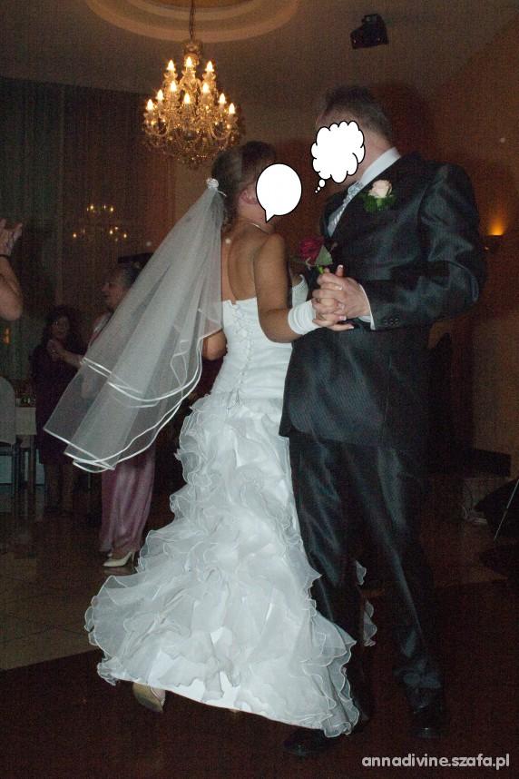 Na specjalne okazje suknia ślubna Lolita