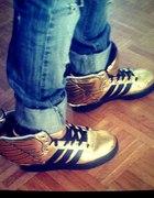 Adidas wings Jeremy Scott...